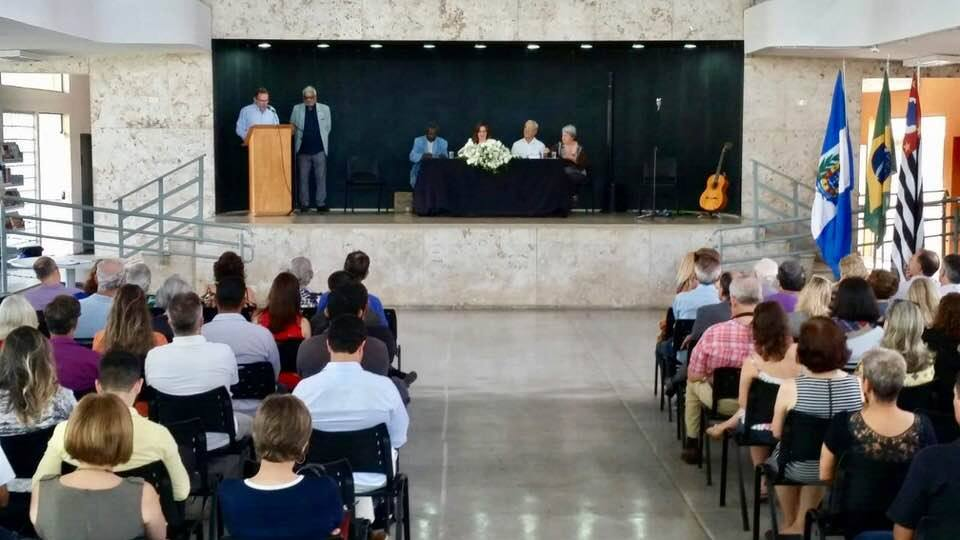 POSSE DE NEO ACADÊMICOS NA ACADEMIA SALTENSE DE LETRAS